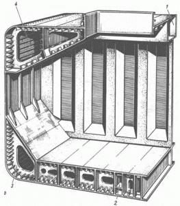 Комбинированная продольно-поперечная система набора грузового судна